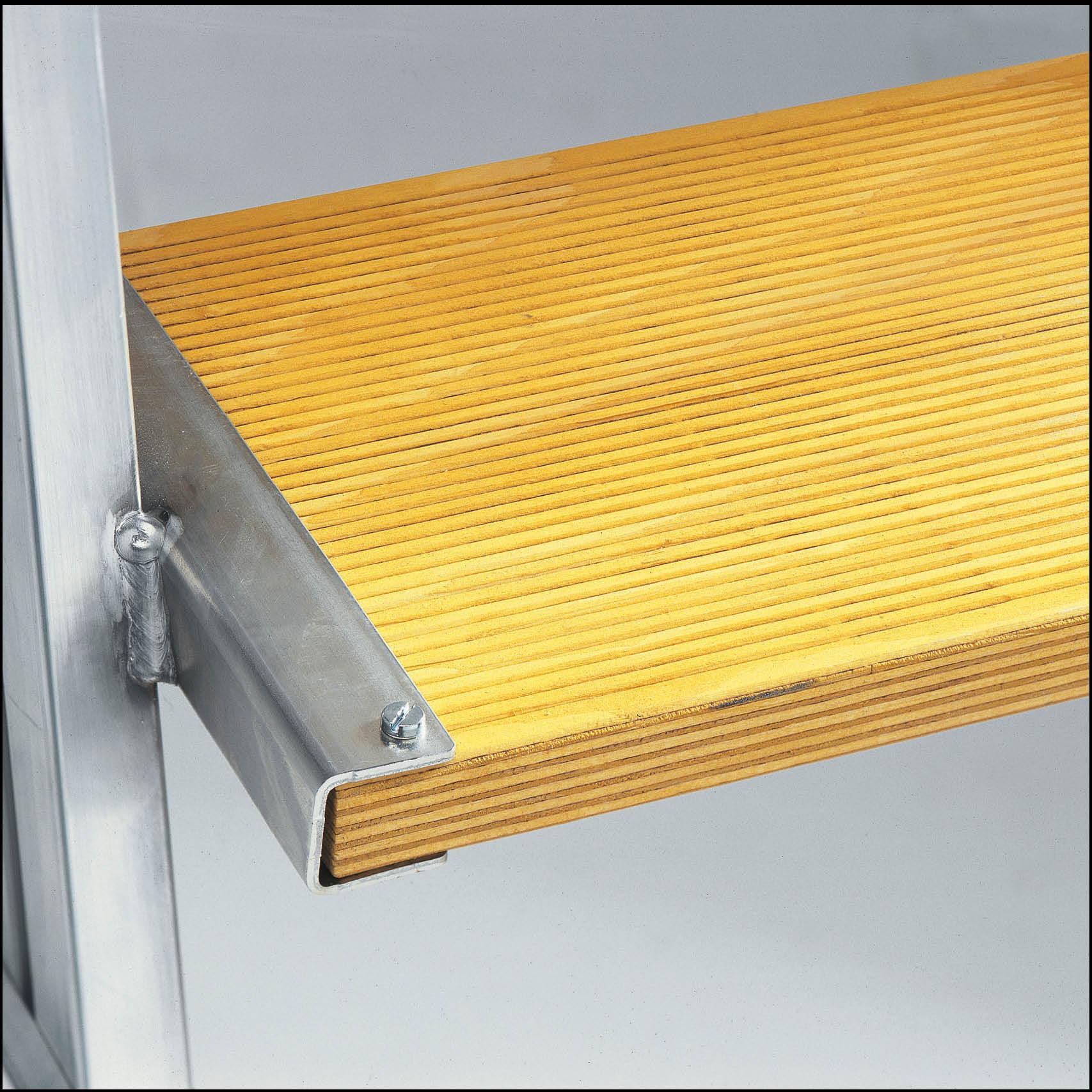 aluminium podestleiter stufen und plattform holz lagertechnik. Black Bedroom Furniture Sets. Home Design Ideas